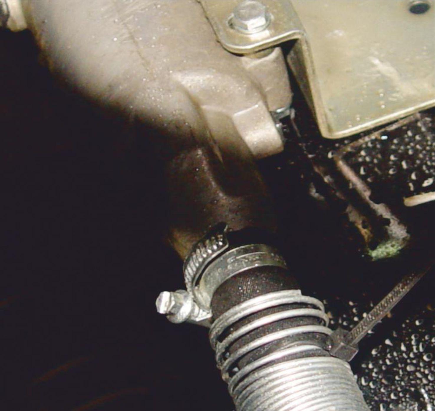 Система стационарного стояночного подогрева жидкости системы охлаждения двигателя