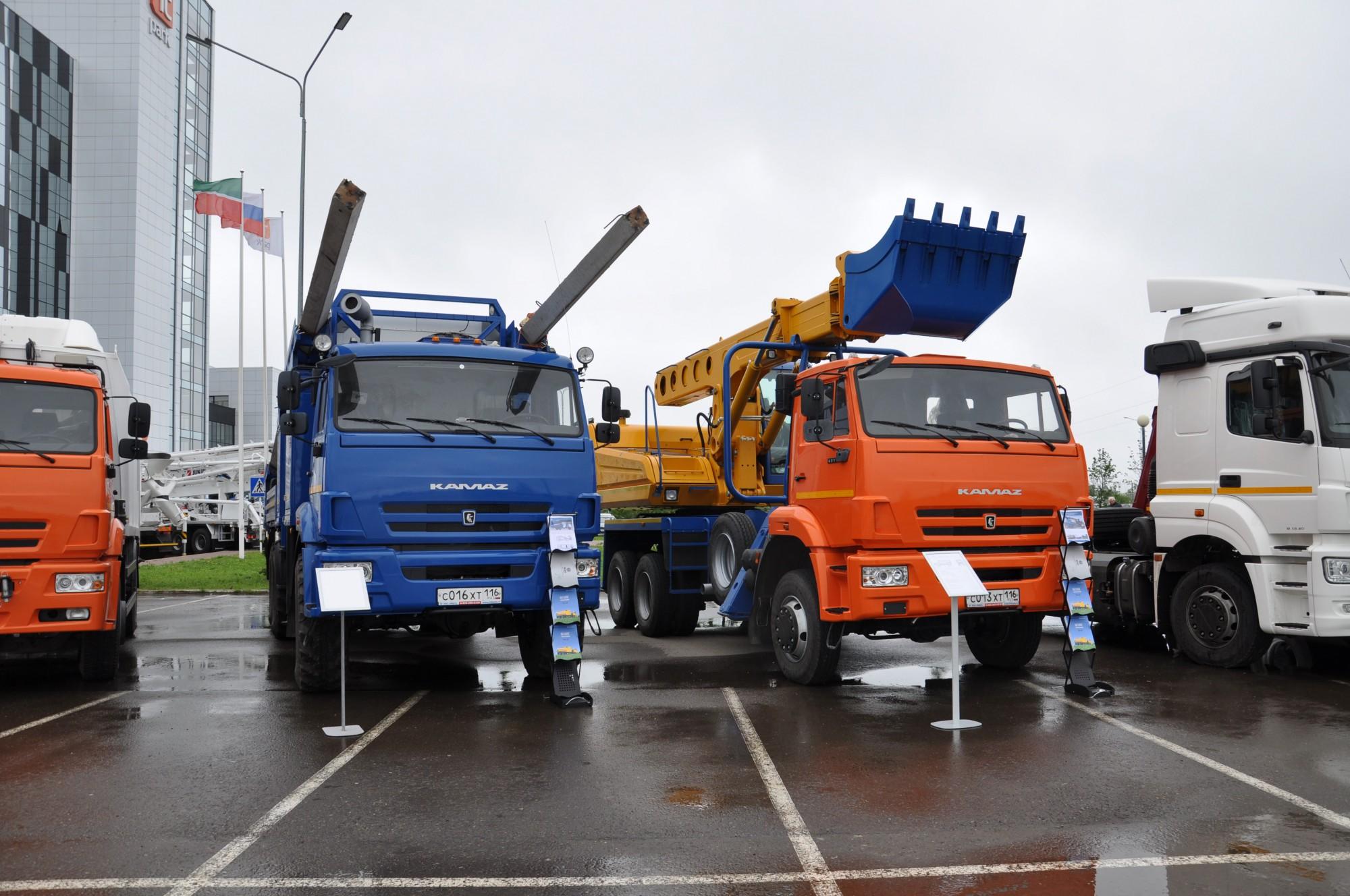"(UDS-114) на шасси КамАЗ-65111 и МАРС ""Опоровоз"" на шасси 43118"