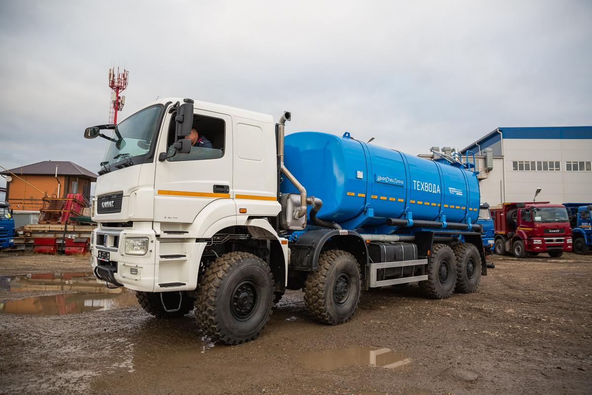 Автоцистерна для технической воды АЦВ-23 УСТ 5453 производства ОАО