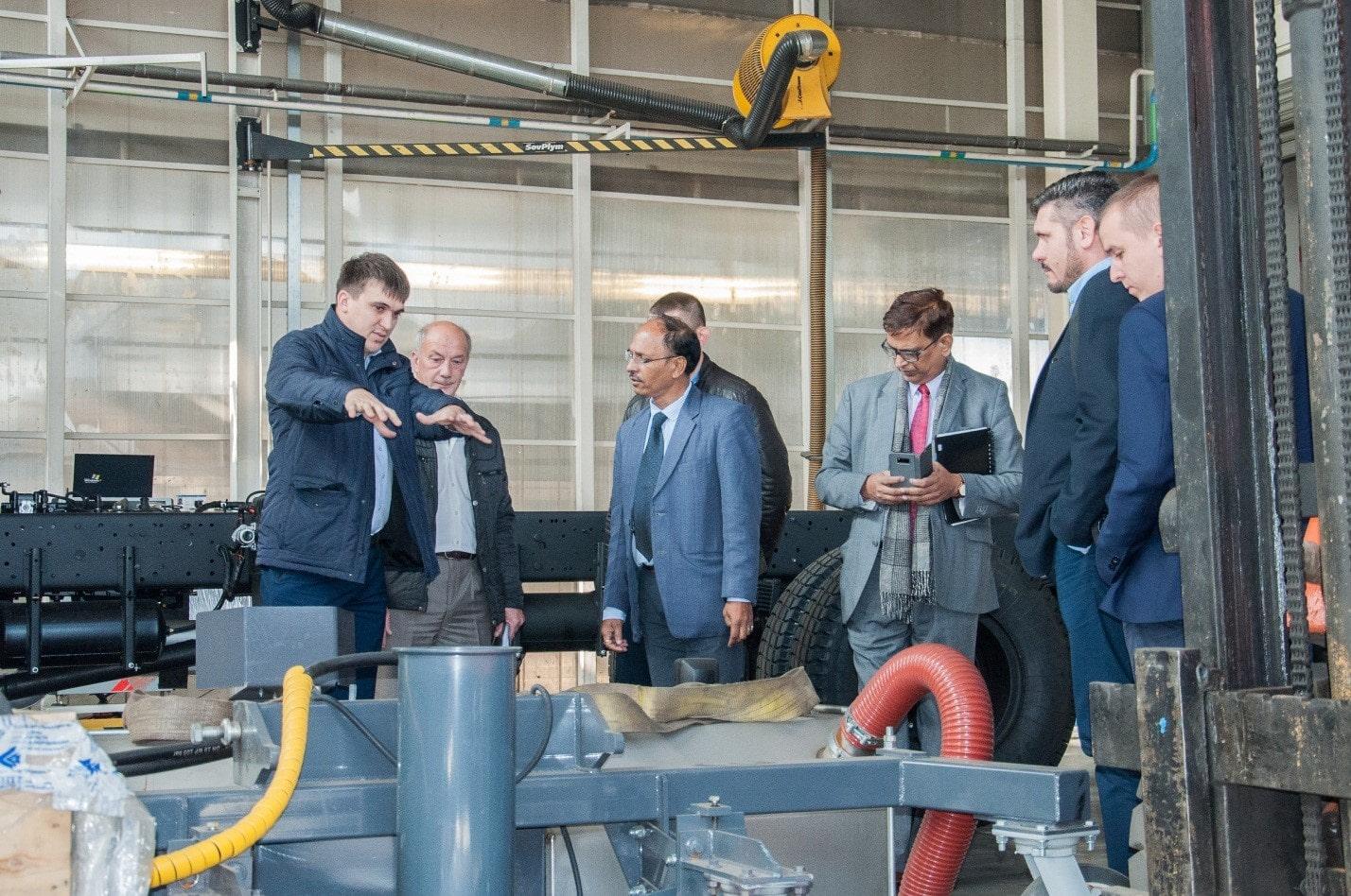 Экскурсия по производственным площадям ОАО РИАТ